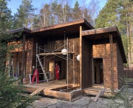 В нашем распоряжение есть все необходимые инструменты, строительные леса, механизмы