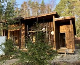 Удачное место для привязки дома к участку, вид из панорамных окон с видом на сад